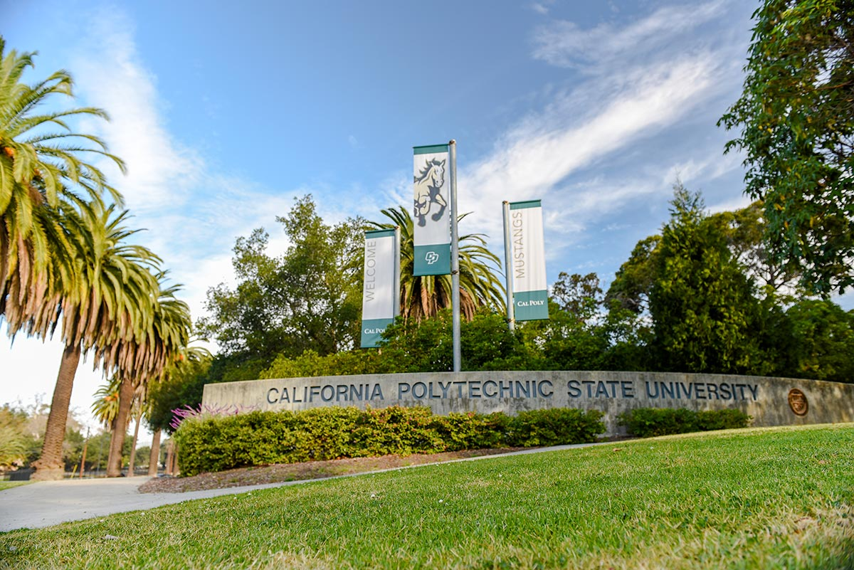 Grand Ave Entrance coming into Cal Poly